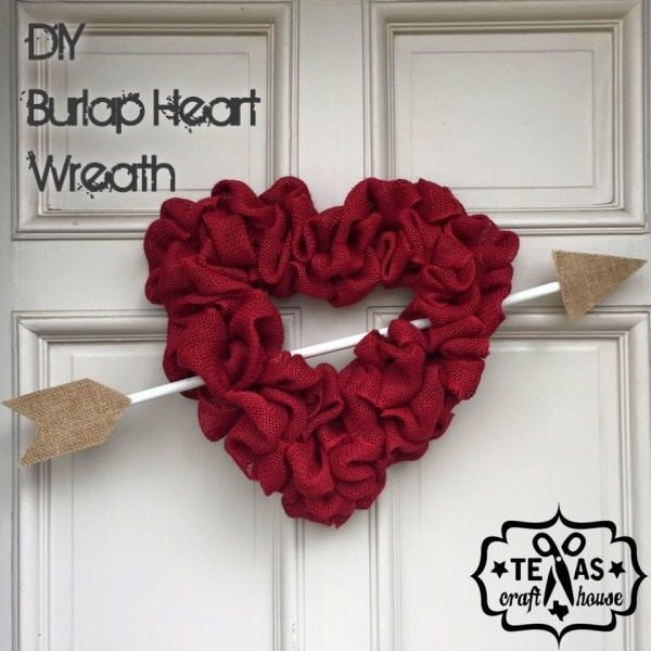 Check out this easy idea on how to make a #DIY burlap heart wreath for #ValentinesDayDecor #ValentinesDayCrafts #ValentinesIdeas