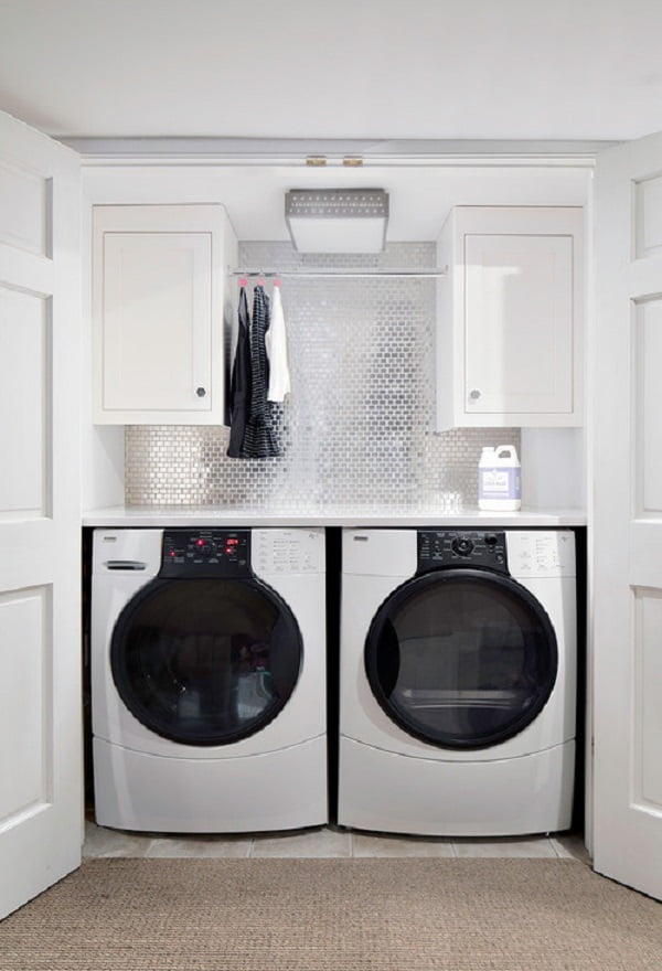 100 Fabulous Laundry Room Decor Ideas You Can Copy - You have to see this laundry room decor idea with metallic paint backsplash. Love it! #LaundryRoomDesign #HomeDecorIdeas