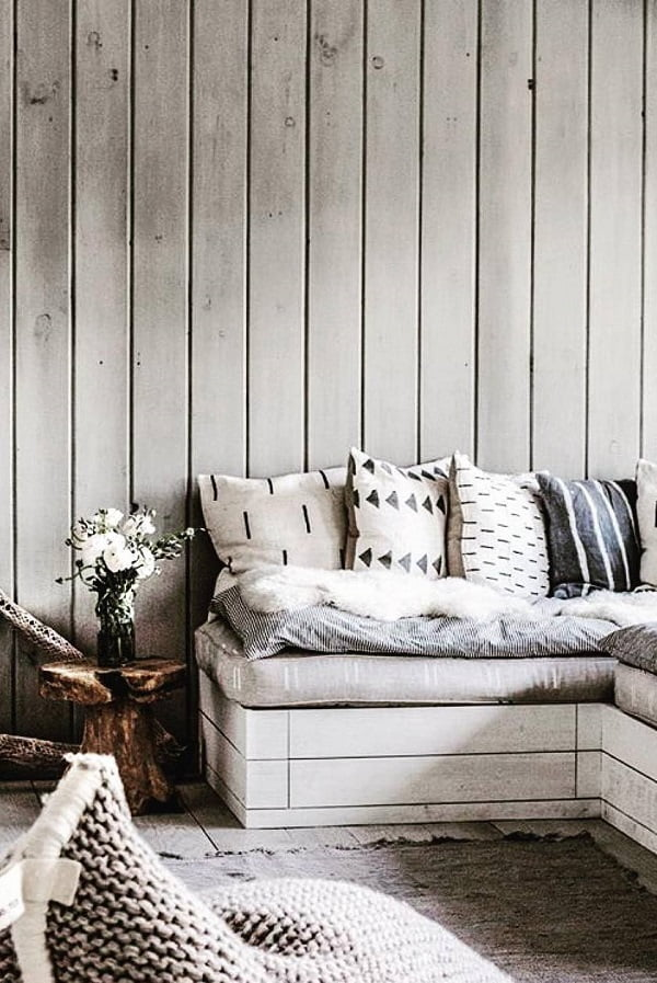 Love this vertical planked accent wall and the  coastal look