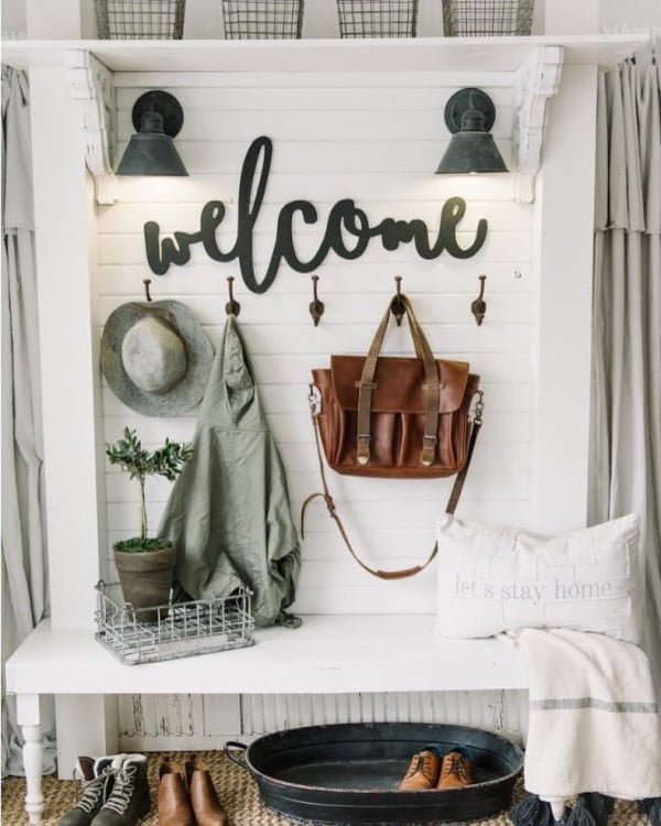 Check out this  entryway decor idea with a welcome sign. Love it!