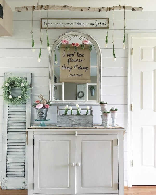 Check out this  entryway decor idea with a  mirror. Love it!