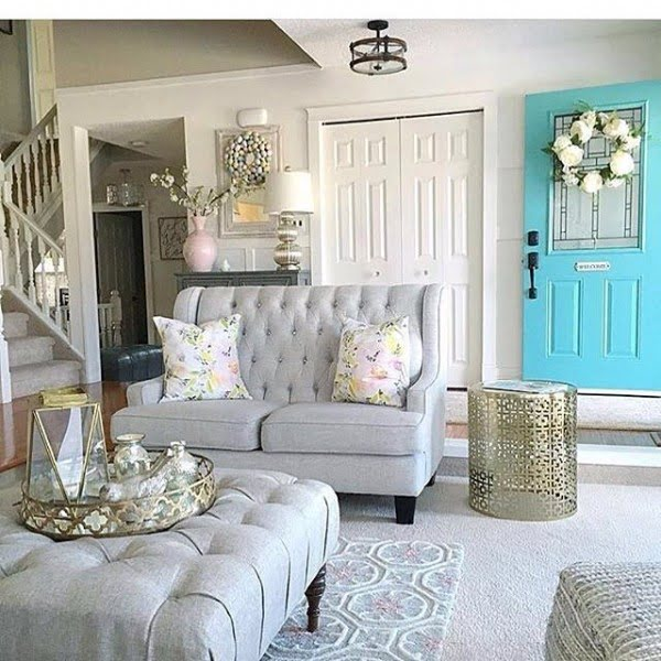 living room decor idea with classic furniture and farmhouse wreaths. Love it!