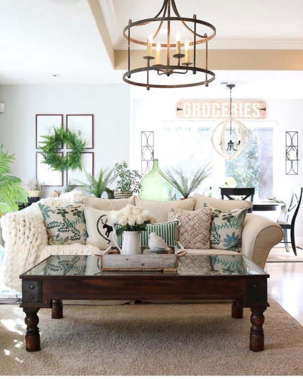 Check out this modern #farmhouse living room decor idea with accent pillows. Love it! #HomeDecorIdeas