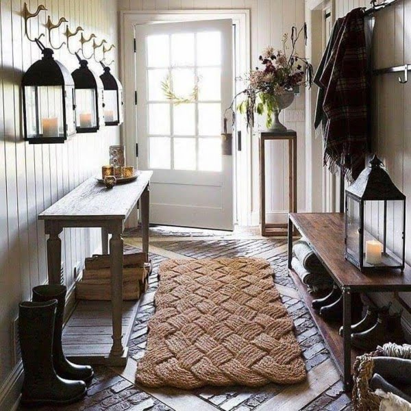 modern  entryway decor idea with a woven rug. Love it!