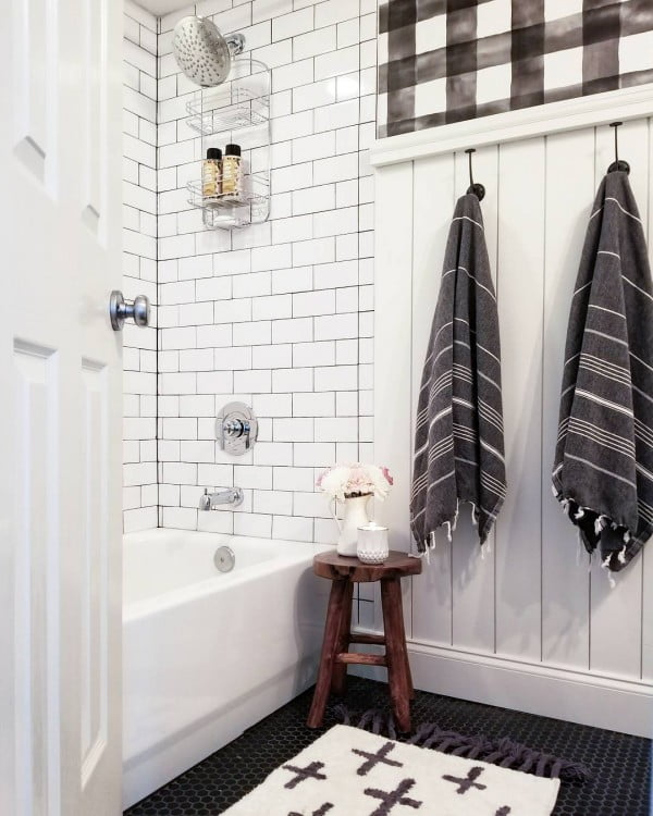 modern  bathroom decor idea with rustic paneling. Love it!