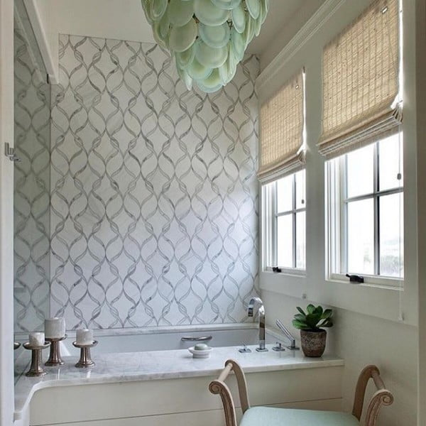 You have to see this bathroom decor idea with accent wallpapers that will turn your bathroom into SPA!