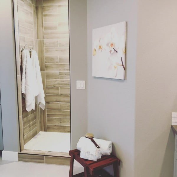 You have to see this bathroom decor idea with wood accents that will turn your bathroom into SPA!