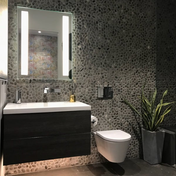 You have to see this bathroom decor idea with pebble tile walls that will turn your bathroom into SPA!