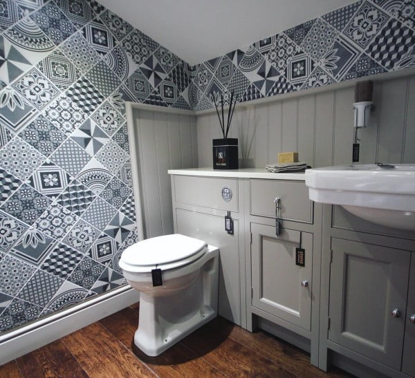 You have to see this bathroom decor idea with mixed tile that will turn your bathroom into SPA!