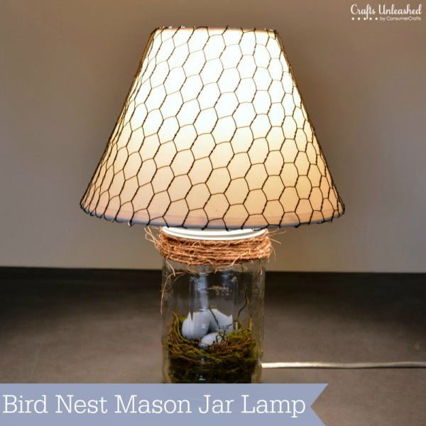 You have to see this tutorial on how to make #DIY mason jar bird nest lamp for spring decor #HomeDecorIdeas #MasonJarCrafts