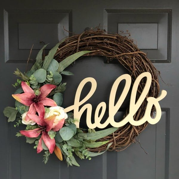 You have to see this #DIY spring wreath idea with lilies #HomeDecorIdeas