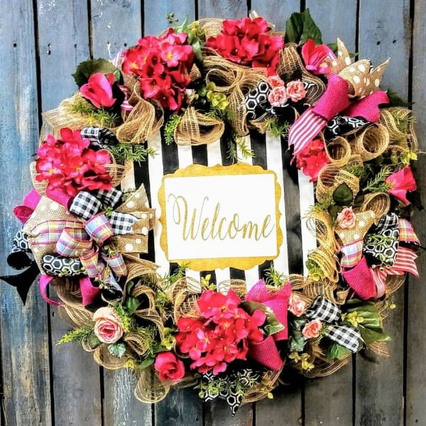 You have to see this #DIY spring wreath idea with mini ribbons #HomeDecorIdeas