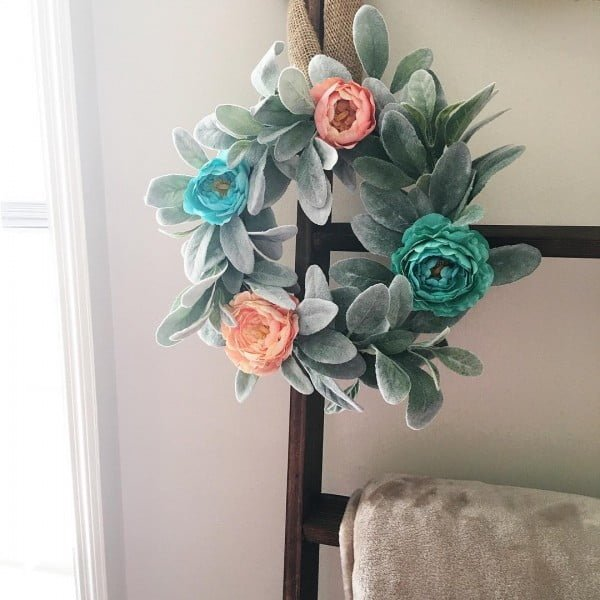 You have to see this #DIY spring wreath idea with lamb's ear leafs #HomeDecorIdeas
