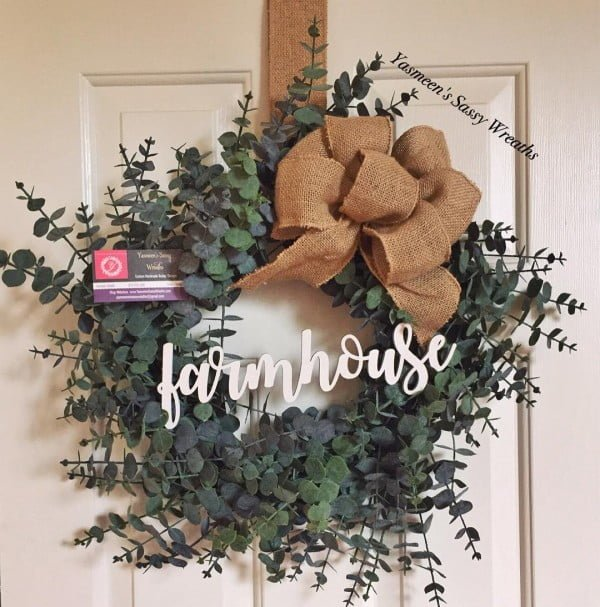 You have to see this #DIY #farmhouse spring wreath idea with burlap #HomeDecorIdeas