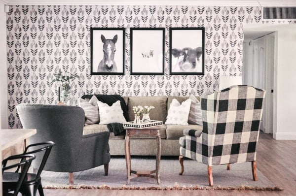living room decor idea with pattern wallpaper. Love it!