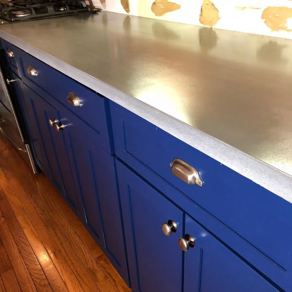 concrete countertops in the kitchen pros and cons. Black Bedroom Furniture Sets. Home Design Ideas