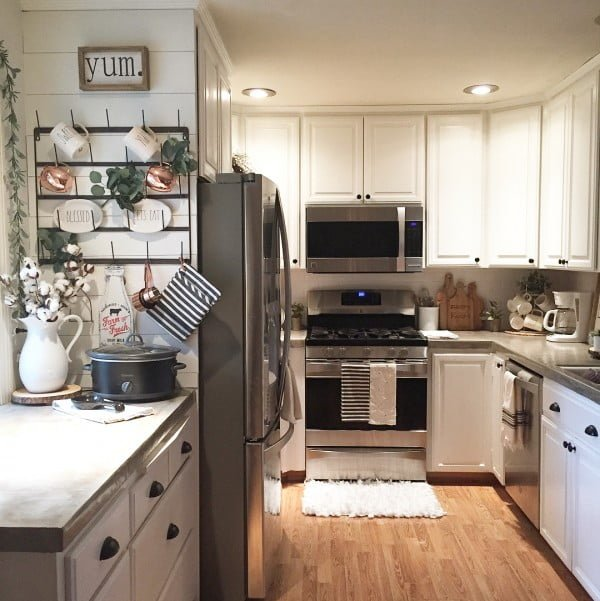 Check out this concrete kitchen countertop design. Love it!