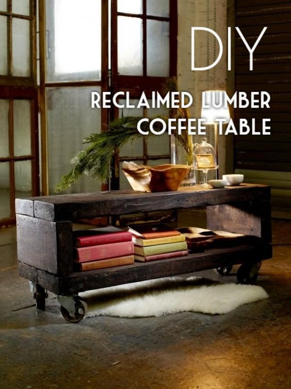 Check out the tutorial on how to make a #DIY reclaimed wood coffee table. Looks easy enough! #HomeDecorIdeas