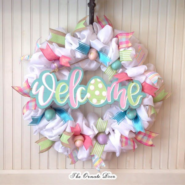 Check out this #DIY #Easter wreath idea with ribbons. Love it! #HomeDecorIdeas