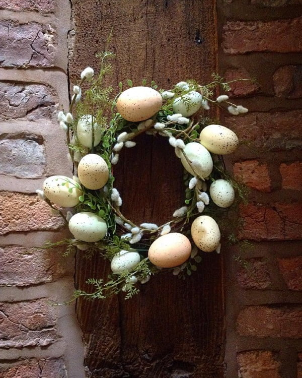 Check out this   wreath idea with eggs and spring flowers. Love it!