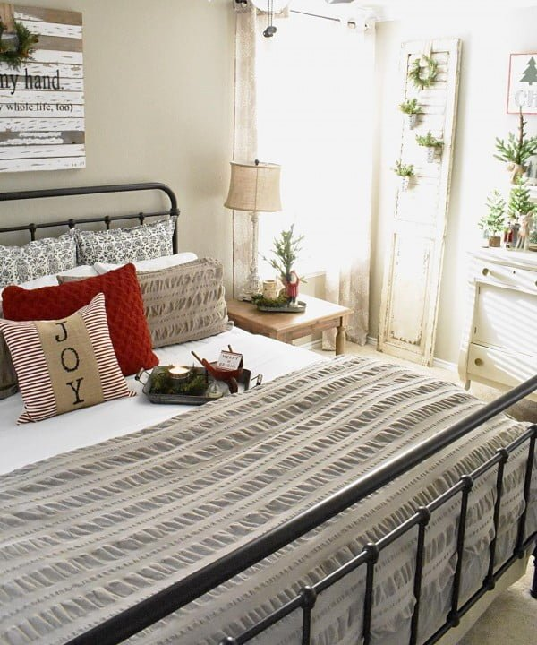 You have to see this #farmhouse bedroom decor idea with an old shutter planter stand. Love it! #BedroomIdeas #HomeDecorIdeas
