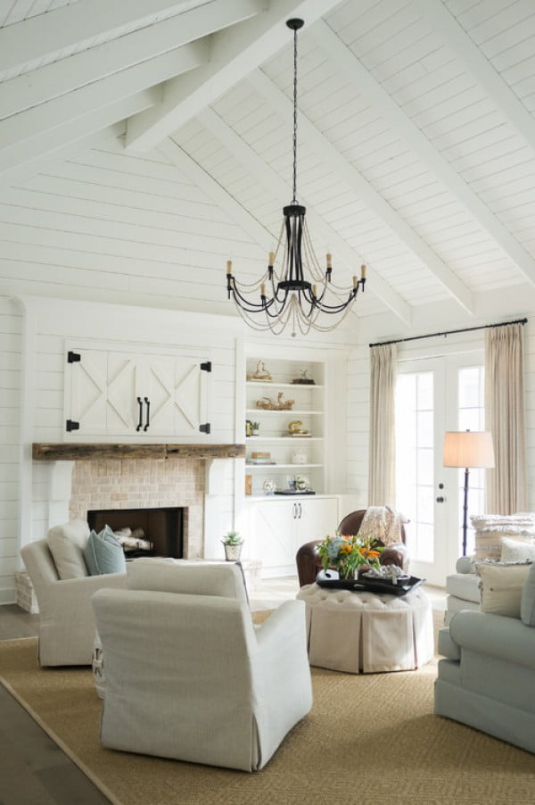 You have to see this #farmhouse living room decor idea with shiplap. Love it! #HomeDecorIdeas
