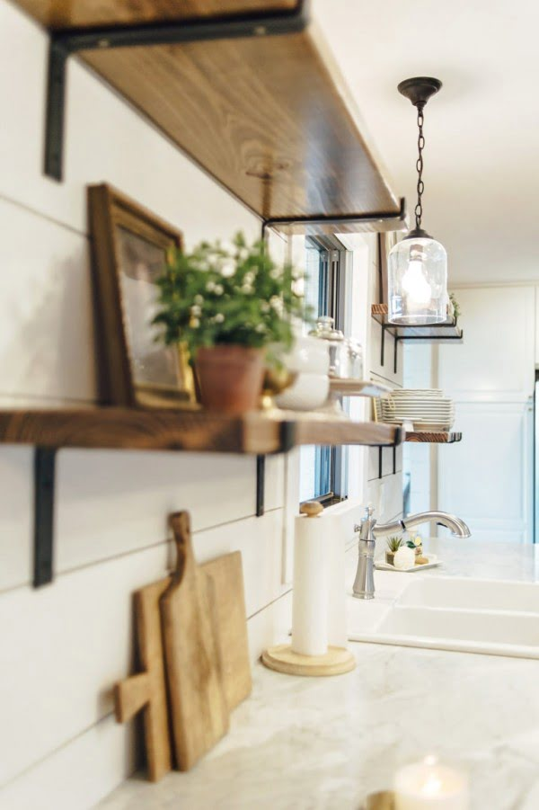 You have to see this #farmhouse kitchen decor idea with open shelving. Love it! #HomeDecorIdeas