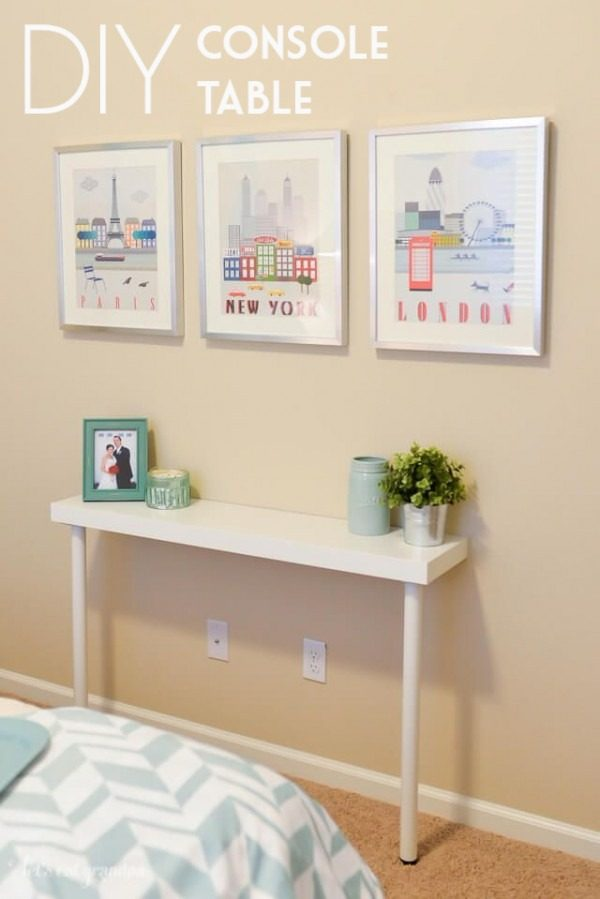 Check out the tutorial on how to make a #DIY narrow console table. Looks easy enough! #HomeDecorIdeas