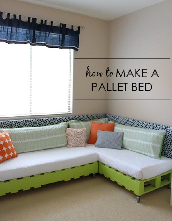 45 Easy DIY Bed Frame Projects You Can Build on a Budget - Check out the tutorial on how to make a #DIY palled kids bed frame. Looks easy enough! #BedroomIdeas #HomeDecorIdeas