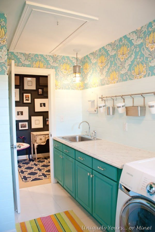 100 Fabulous Laundry Room Decor Ideas You Can Copy - You have to see this laundry room decor idea with floral accent wallpaper. Love it! #LaundryRoomDesign #HomeDecorIdeas