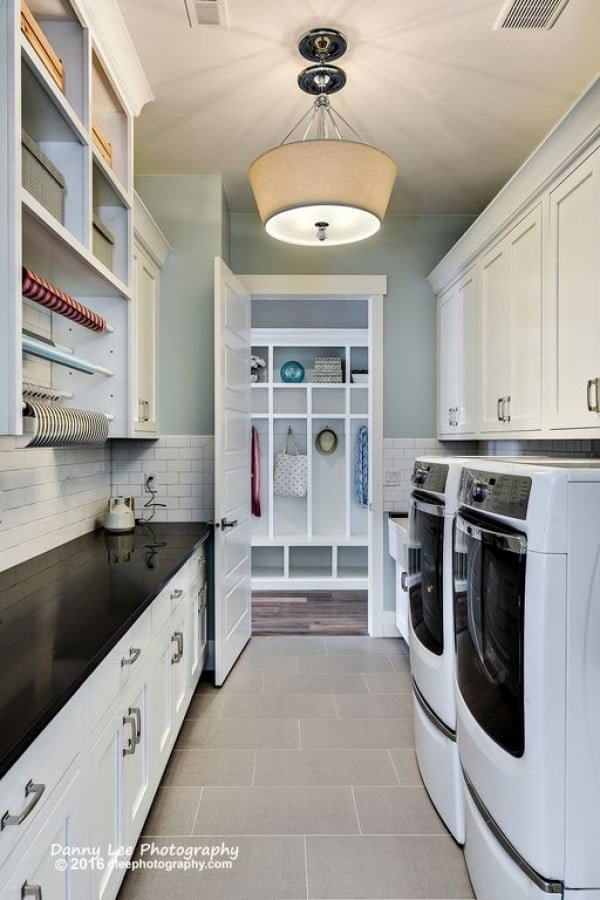 100 Fabulous Laundry Room Decor Ideas You Can Copy - You have to see this laundry room decor idea with subway tile accent walls. Love it! #LaundryRoomDesign #HomeDecorIdeas