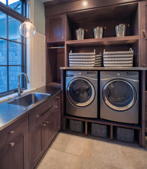 100 Fabulous Laundry Room Decor Ideas You Can Copy - You have to see this laundry room decor idea with classic walnut cabinets. Love it! #LaundryRoomDesign #HomeDecorIdeas