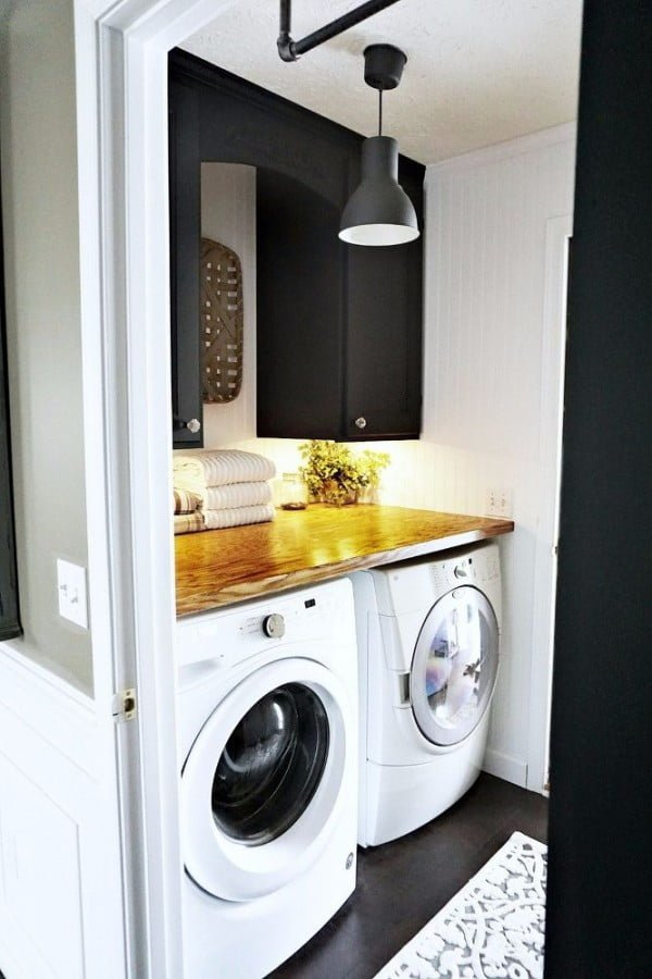 100 Fabulous Laundry Room Decor Ideas You Can Copy - You have to see this laundry room decor idea with a natural wood counter top. Love it! #LaundryRoomDesign #HomeDecorIdeas