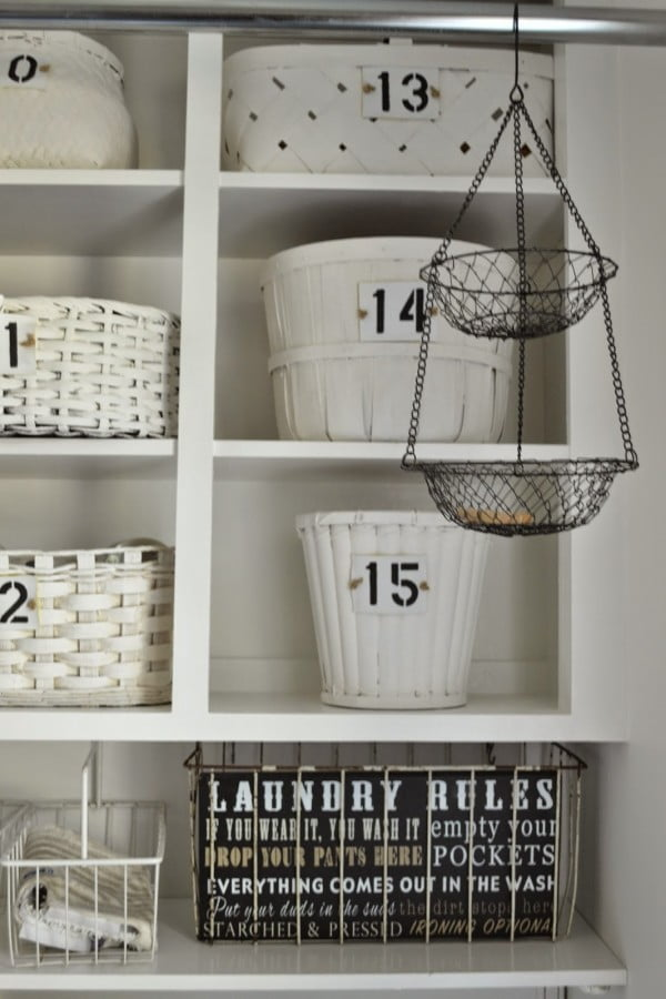 100 Fabulous Laundry Room Decor Ideas You Can Copy - You have to see this laundry room decor idea with creative storage baskets. Love it! #LaundryRoomDesign #HomeDecorIdeas