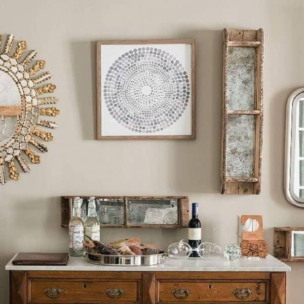 You have to see this #rustic wall decor idea with #farmhouse items. Love it! #HomeDecorIdeas