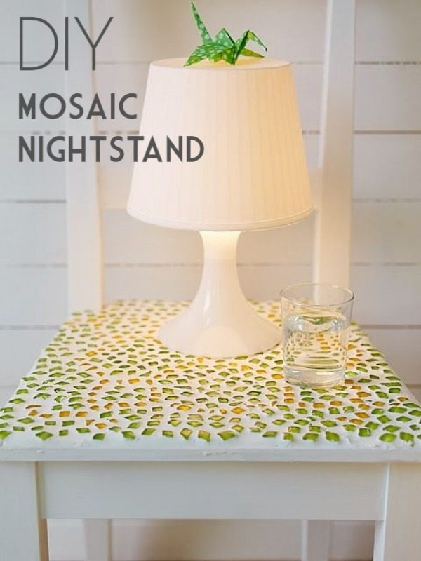 30 Stunning DIY Mosaic Craft Projects for Easy Home Decor - Check out this easy tutorial on how to make a #DIY mosaic nightstand tabletop. Love it! #HomeDecorIdeas