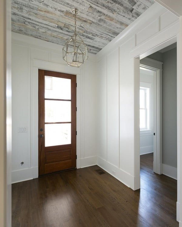 50 Unique Ceiling Design Ideas to Update the Forgotten Wall - You have to see this reclaimed wood ceiling design idea. Love it! #HomeDecorIdeas