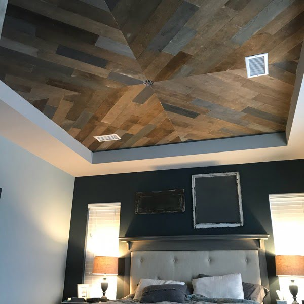 50 Unique Ceiling Design Ideas to Update the Forgotten Wall - You have to see this dark wood plank ceiling design idea. Love it! #HomeDecorIdeas