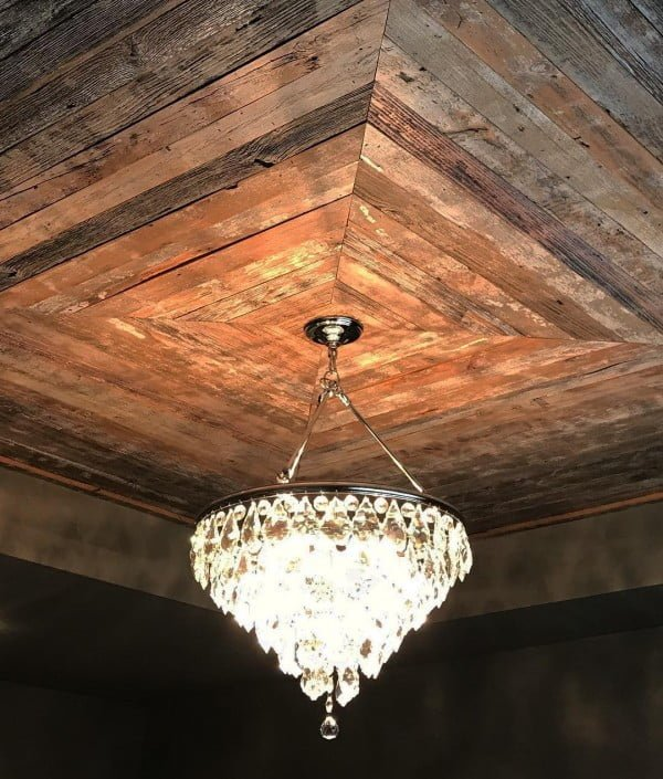 50 Unique Ceiling Design Ideas to Update the Forgotten Wall - You have to see this unique ceiling design idea with #rustic wood. Love it! #HomeDecorIdeas