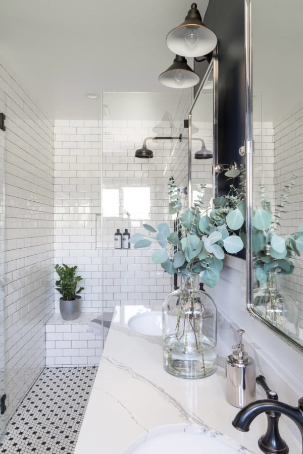 100 Cozy Rustic Farmhouse Bathroom Decor Ideas You Can Easily Copy - You have to see this bathroom decor idea with an udnermount sink and Arabic tile flooring. Love it!