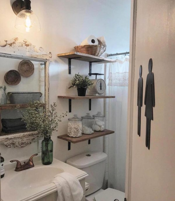 100 Cozy Rustic Farmhouse Bathroom Decor Ideas You Can Easily Copy - You have to see this bathroom decor idea with fashionable bathroom door sign and single porcelain sink. Love it!