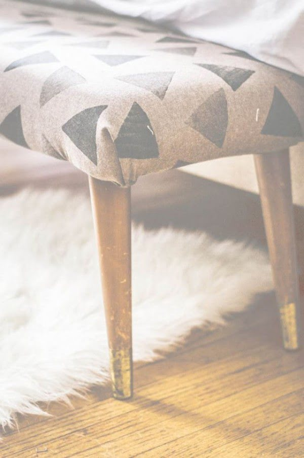 Check out the tutorial on how to make a #DIY upholstered bedside bench. Looks easy enough! #HomeDecorIdeas