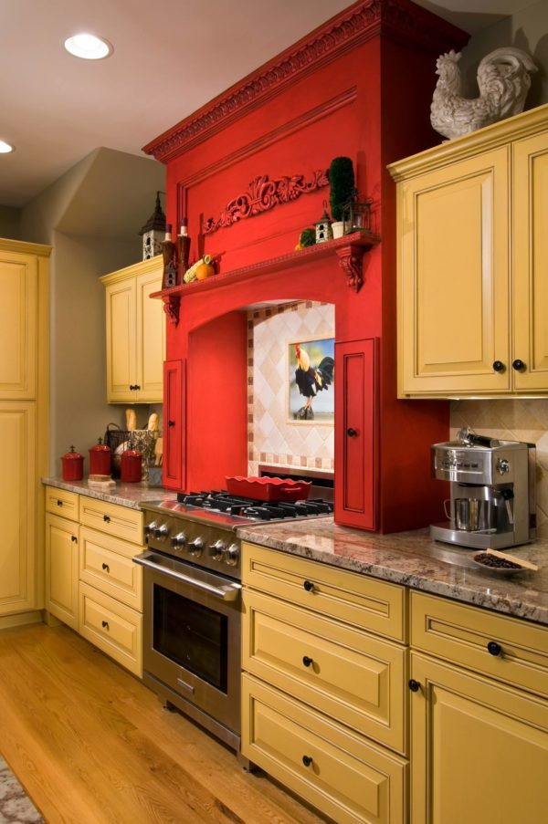 decor idea with granite countertops and focal metalic stove. Love it!