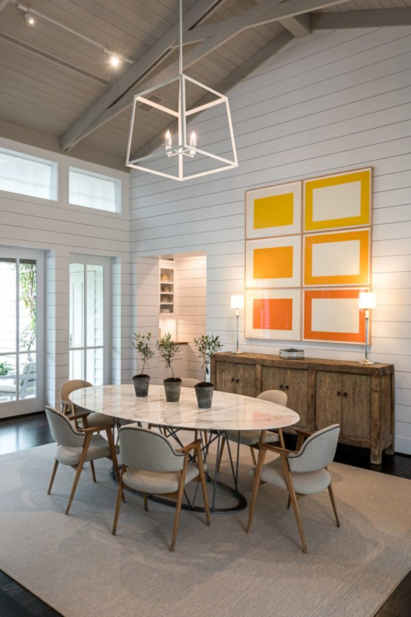 You have to see this #farmhouse decor idea with enclosed dining room, spaciousness and handmade wood cabinet. Love it! #FarmhouseDecor #HomeDecorIdeas