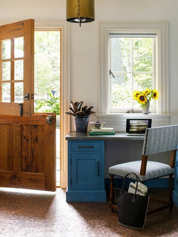 100 Charming Farmhouse Decor Ideas for Your Home Office - You have to see this #farmhouseoffice decor idea with Western entrance door and carpeted floors. Love it! #FarmhouseOfficeDecor #HomeDecorIdeas