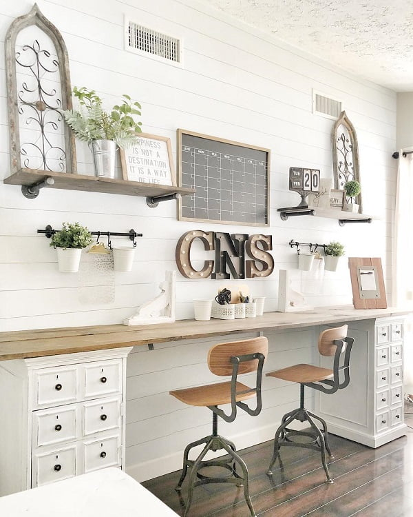 100 Charming Farmhouse Decor Ideas for Your Home Office - You have to see this #farmhouseoffice decor idea with multiple-drawer cabinets and to-do wall board. Love it! #FarmhouseOfficeDecor #HomeDecorIdeas