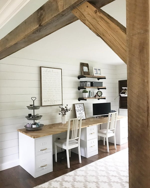 100 Charming Farmhouse Decor Ideas for Your Home Office - You have to see this #farmhouseoffice decor idea with long patterened carpet and wood column entrance frame. Love it! #FarmhouseOfficeDecor #HomeDecorIdeas