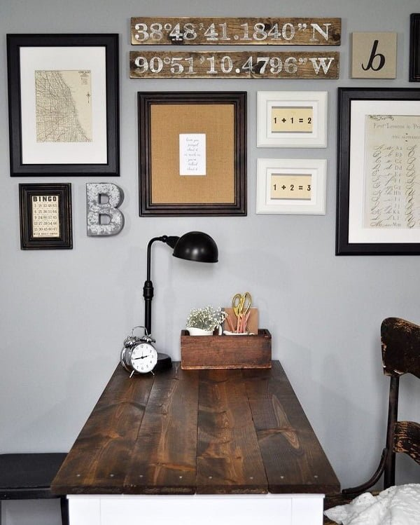 100 Charming Farmhouse Decor Ideas for Your Home Office - You have to see this #farmhouseoffice decor idea with direction wall signs and tiny metalic dek lamp. Love it! #FarmhouseOfficeDecor #HomeDecorIdeas