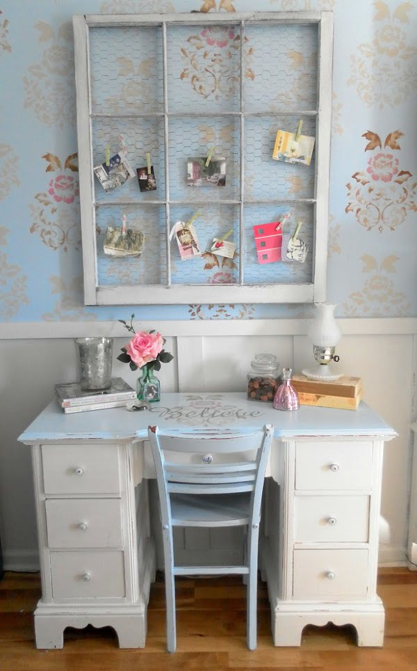 100 Charming Farmhouse Decor Ideas for Your Home Office - You have to see this #farmhouseoffice decor idea with parquet floors and floral wallpapers. Love it! #FarmhouseOfficeDecor #HomeDecorIdeas