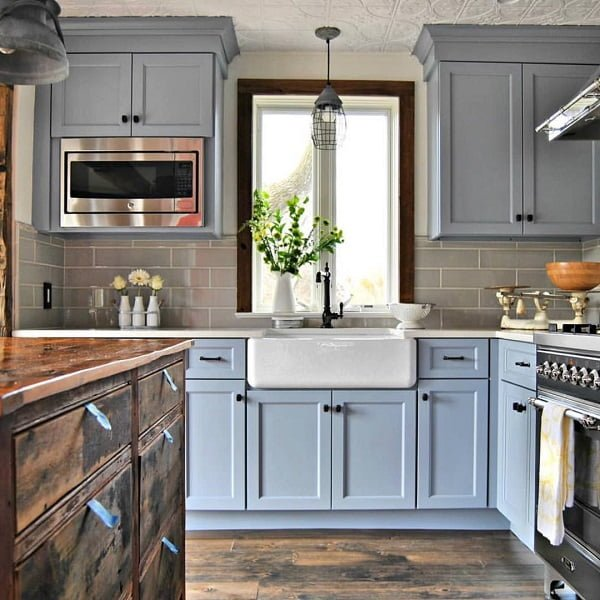 100 Stunning Farmhouse Kitchen Decor Ideas You Have to Try - You have to see this #farmhousekitchen decor idea with white, butler sink and grey brick wall. Love it! #FarmhouseKitchen #HomeDecorIdeas